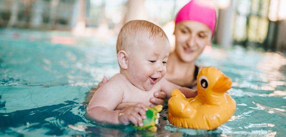 BABY SWIM – rozwój niemowląt przez pływanie